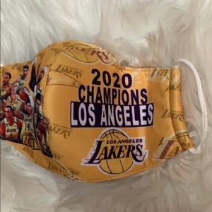 NWOT LOS ANGELES LAKERS CHAMPIONSHIP FACE MASK 😷